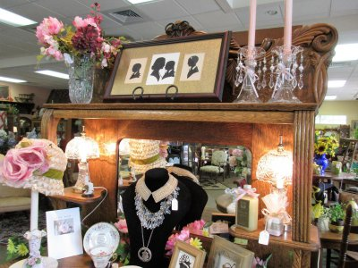 Apple Core Antiques & Gifts Orlando Florida